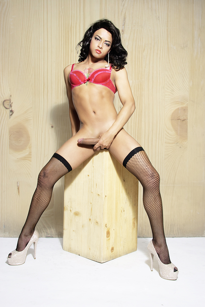 MILA TRAVESTI escort y Putas Madrid