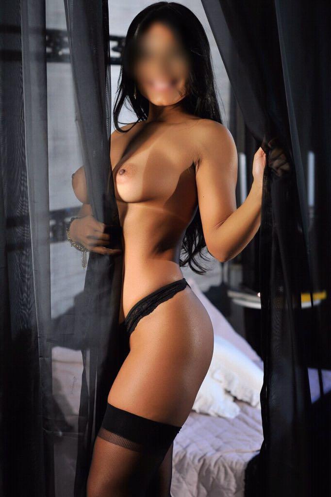 escort y Putas Murcia y Escort En murcia Murciascort Soy Luanita  una brasileña perfecta de 28 años... dulce, cariñosa, la mejor amante y la mas implicada, al 100%... Guapísima y morbosa, conmigo sentirás una complicidad absoluta desde el primer instante... Disfruta de juegos eróticos, besos ardientes, cubanas, masajes, griego espectacular, francés natural completo y mucho mas... Deseas tener satisfacción y seguridad? Te ofrezco mucha sensualidad, relax, algo exclusivo para ti, soy una mujer realmente exquisita, única donde las haya... Mi móvil: Soy Luanita  una brasileña perfecta de 28 años... dulce, cariñosa, la mejor amante y la mas implicada, al 100%... Guapísima y morbosa, conmigo sentirás una complicidad absoluta desde el primer instante... Disfruta de juegos eróticos, besos ardientes, cubanas, masajes, griego espectacular, francés natural completo y mucho mas... Deseas tener satisfacción y seguridad? Te ofrezco mucha sensualidad, relax, algo exclusivo para ti, soy una mujer realmente exquisita, única donde las haya...<BR><BR> Mi móvil: 603 237 868<BR> También realizo viajes cómo acompañante. Educada, elegante y muy cariñosa... una amante super apasionada y complaciente... Conmigo encontraras momentos de placer, mimos y mucha complicidad. Que no te lo cuenten!! También realizo viajes cómo acompañante. Educada, elegante y muy cariñosa... una amante super apasionada y complaciente... Conmigo encontraras momentos de placer, mimos y mucha complicidad. Que no te lo cuenten!!