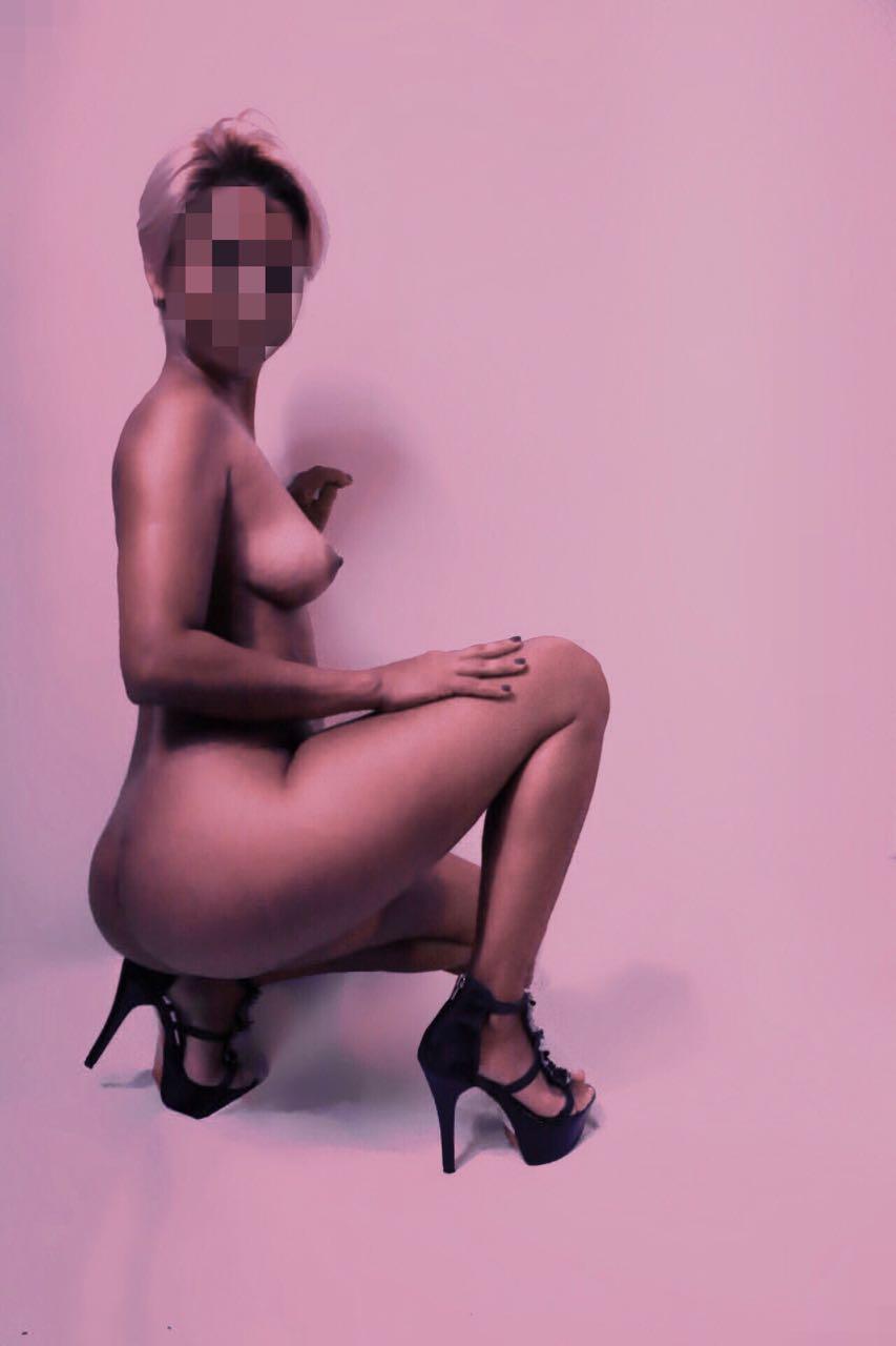 GIRLS AND ESCORT IBIZA Nicole venezolana 28 años <BR><BR> En la intimidad verás que soy una acompañante de lo más entregada, hago grandes masajes y también doy atención a parejas. Si buscas experimentar el mejor sexo o contar conmigo para tus viajes, conóceme hoy.